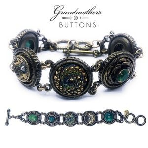 GRANDMOTHER BUTTON'S Bracelet